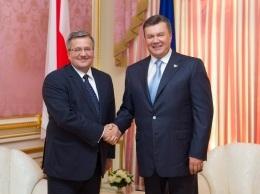 В Киеве состоялась встреча Януковича и Коморовского