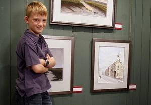 Восьмилетний британец продает свои картины за тысячи долларов