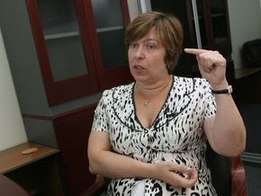 Ляпина: Чтобы оставить премьером Тимошенко, БЮТ создаст коалицию хоть с чертом