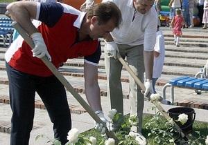 Попов планирует высадить по кусту роз на каждого киевлянина