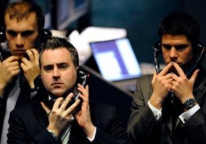 Рынки упали на фоне укрепляющегося доллара