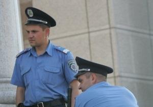 В центре Донецка мужчина украл металлическую урну