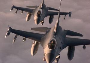 Два F-16 ВВС США экстренно сели в римском аэропорту