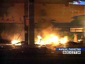 Пожар в трущобах пакистанского Карачи унес жизни 38 человек