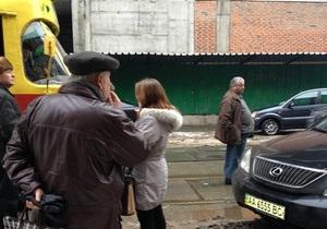 В Киеве из-за припаркованного Lexus образовалась пробка