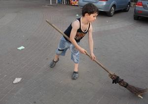 Киевские власти привлекут к уборке города 87 тысяч человек