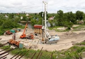 Подольский мост в Киеве откроют для проезда в следующем году