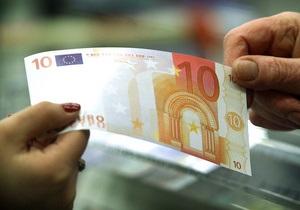 Курсы наличной валюты: Доллар и евро незначительно снижаются
