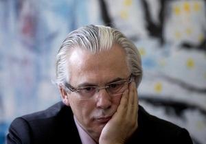 Адвокат Ассанжа отказался защищать Сноудена