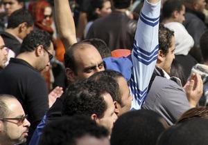 СМИ: Число демонстрантов в центре Каира превысило миллион человек