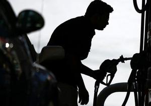 Житель Китая более 40 лет страдает бензиновой зависимостью