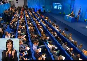 Янукович - пресс-конференция Януковича - Оппозиционеры, которые митинговали против Януковича под Украинским домом, разошлись