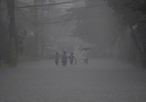 Число жертв наводнения на Филиппинах достигло 66