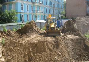 новости Киева - Десятинная церковь - застройка - В Десятинном переулке вновь началось незаконное строительство