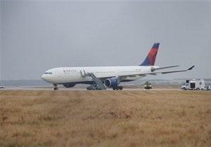 Инцидент на борту Delta Airlines мог быть попыткой теракта - Белый дом