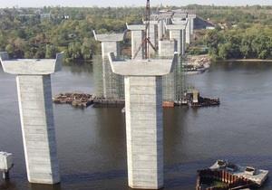 Азаров рассказал, когда закончится строительство запорожских мостов