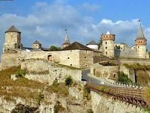 Каменец-Подольский знаменит средневековым замком и Смотричским каньоном
