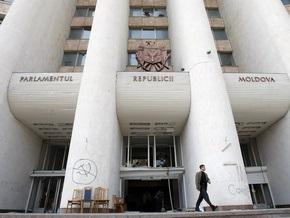 Конституционный суд Молдовы уполномочил Воронина распустить парламент