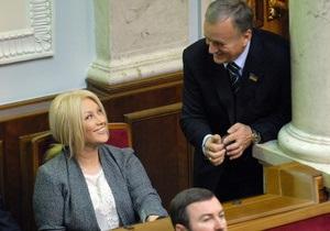 Повалий - Рада - благотворительность - Повалий подала свой первый проект закона