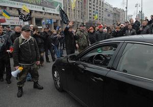 Майдан раскололся: часть митингующих пошла на переговоры с властью