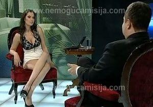 Хорватские журналисты разыграли премьера Сербии с помощью модели Playboy