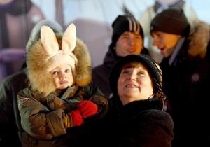 При Азарове длинных праздников не будет. Кабмин решил  не устраивать загулов
