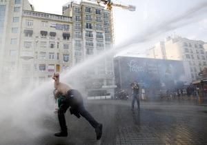 Правозащитники ООН призвали Турцию наказать нарушивших закон полицейских