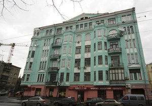 Застройка Киева: Архитектурный памятник на Саксаганского оказался под угрозой разрушения