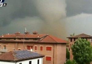 Север Италии всколыхнуло землетрясение и ураган с градом