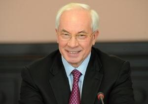 Азаров признает ошибки своего правительства