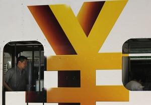 Китай планирует укреплять юань на 3-5% в год