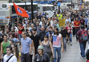 Движение Захвати Уолл-стрит проводит митинг в Нью-Йорке