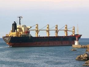 Сомалийские пираты освободили судно с двумя украинцами на борту
