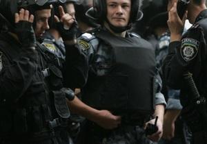 В Киеве на Петровке сотрудники УБОП изъяли контрафактную продукцию на сумму более 3,4 миллионов гривен