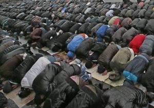 В парках Москвы могут появиться мобильные площадки для молитв мусульман