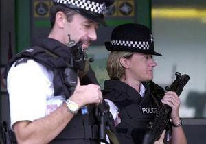 В Британии задержали женщин, пытавшихся посадить в самолет умершего родственника