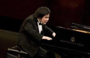 В США конкурс исполнителей выиграл слепой пианист