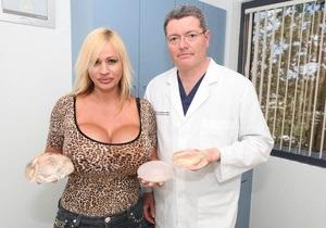 Американка сделала 12 операций, чтобы попасть в ТОП-5 моделей с самой большой грудью