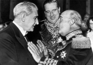 В Португалии вино, названное в честь диктатора, возмутило противников фашизма
