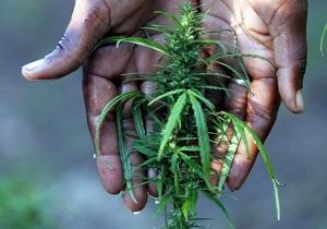 В ЮАР арестовали полицейских, укравших у женщины марихуану
