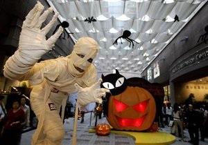 На Тайване посетители парка развлечений нападают на зомби и привидений