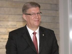 Президент Латвии посоветовал политикам общаться с журналистами на латышском