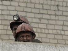В шахте Донецкой области на километровой глубине завалило шахтеров