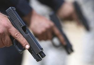 Пограничники - оружие - пистолет - Украинские пограничники задержали автобус, в котором нашли 14 пистолетов