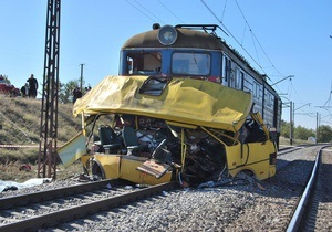 Водитель столкнувшегося с локомотивом автобуса не был официально оформлен на работе