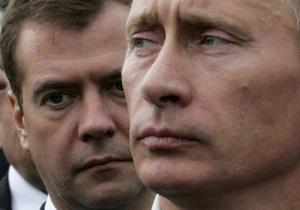 Медведев сравнялся с Путиным по рейтингу одобрения