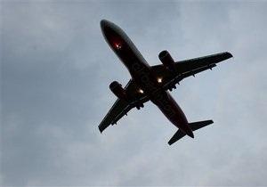 В США самолет Мишель Обамы не смог приземлиться с первого раза