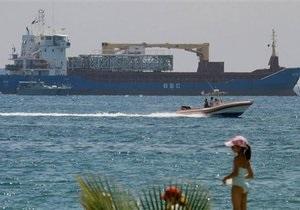 МИД: На борту задержанного на Кипре судна Santiago - восемь украинцев