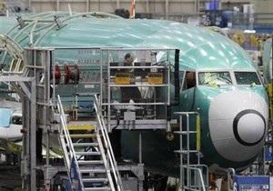 На севере Британии Boeing 737 сошел со взлетно-посадочной полосы
