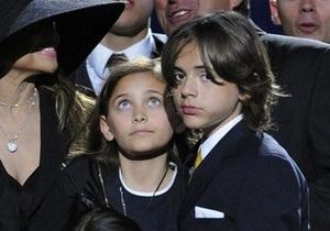 СМИ: Сын Майкла Джексона унаследовал редкое заболевание отца